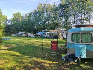ons kampeerveld vlak bij de boerderij
